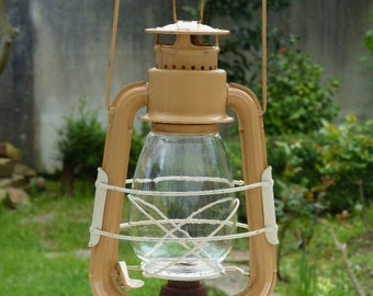 VINTAGE HURRICANE LAMP oil or kerosene lamp camping lantern
