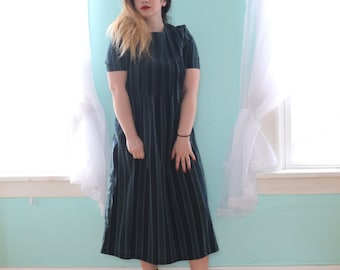 Vintage 1990s Kathie Lee Green and Black Tea Length Dress 90s Grunge Stripe Plaid Punk Loose Modest Casual Medium M Large L Size 10 12