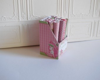 1:12 DOLLHOUSE Display with rolls of wrapping paper Strawberry S.