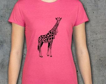 Giraffe Shirt, Giraffe t shirt, Womens shirt, Animal Shirt, Giraffe art, Womens Tee, Womens Tshirts, Ladies T Shirt, Funny animal art