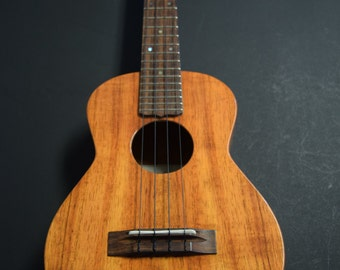 Imua Ukulele Tenor  it- 028