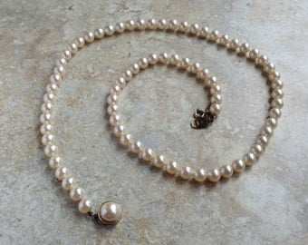 Vintage Long 1960s Faux Pearl Necklace Matinee Length Metall Easter Jewelry