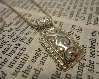 Beautiful Sterling Sivler Necklace with Square Pendant