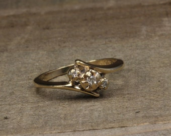 Estate, 10K Yellow Gold Diamond Fashion Ring
