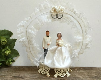 Antique Wedding Cake Topper Bride and Groom Vintage Mid-Century Bridal Couple White Lace Brown Hair Classic Wedding Decor