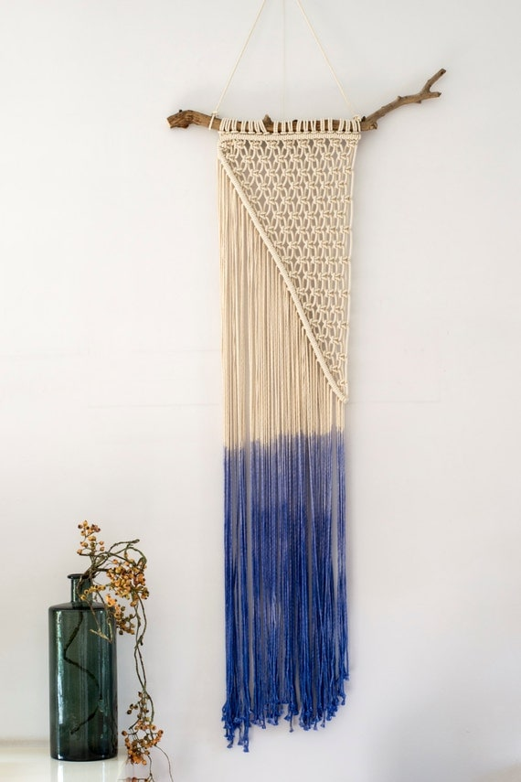 macrame wall hanging dip dye in ocean blue modern macrame. Black Bedroom Furniture Sets. Home Design Ideas