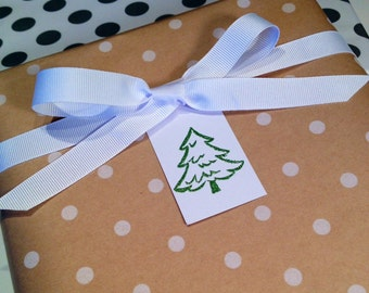 Christmas Tree Gift Tags/Party Favor Tags/Wine Tags - Green and White - Set of 6