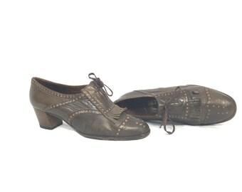 1970's Heels | Brown Leather Oxford Saddle Tassle Toe Heels | Size: 36