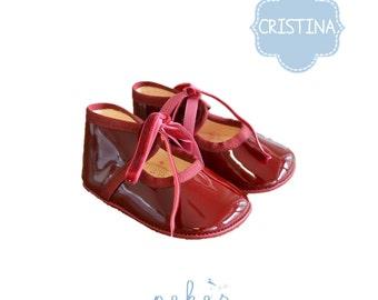 CRISTINA beautiful crib shoe in burgundy