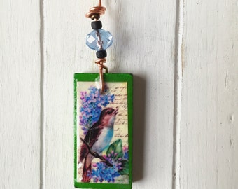 Green Wooden Bird Necklace - Bird Pendant- Resin Necklace - Nature Jewelry -  Upcycled Necklace - Friend Gift - Unique Necklace -  Vintage