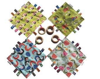 crinkle toy organic, ribbon blanket organic, sensory blanket organic, eco friendly baby toy, sensory crinkle toy, teething ring organic wood