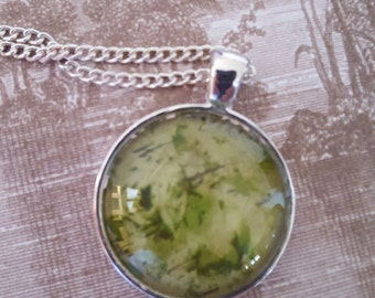 Green Rose Glass Pendant 25mm
