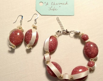 """Piece #244 """"A Charmed Life"""" Old Fashioned Costume Jewelry Ribbon Design Cream Pink Gold Earring and Bracelet Set"""