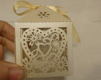 50 wedding favour boxes wedding boxes love heart decoration