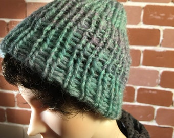 Green/lavender knitted cap SD
