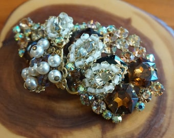 Vintage, Stunning Paisley & Floral RhineStone Baroque Faux Pearl and Brass Brooch Pin