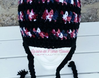 Tuque size teenager or small adult available immediately
