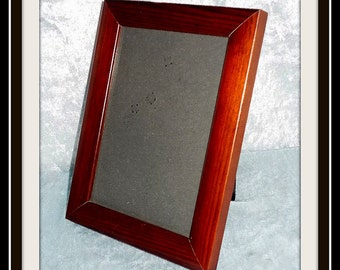 Vintage wooden picture frame / display (photo frame) made of mahogany wood.