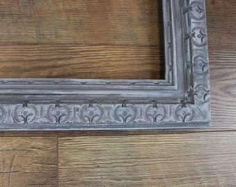 SHABBY CHIC FRAME Gray Large Frame