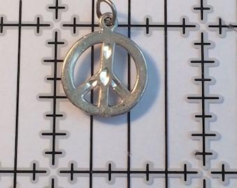 Vintage Sterling Silver Bracelet Charm - Peace Sign - 1g 5579