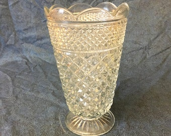 Vintage Anchor Hocking Wexford Glass Vase