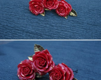 Red and gold wedding Red rose hair clip Rose hair pin Luxury jewelry for hair Gold leaf hair pin Wedding hair piece Prom hair accessories