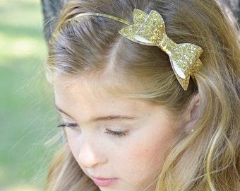 Gold glitter bow on thin metal headband, toddler girl tween glitter bow headband,Christmas and Holiday thin gold headband