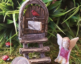 Miniature Teeny Fairy Door with Steps