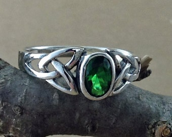 Emerald Green Ring~Celtic Emerald CZ Ring~Emerald Green CZ Celtic Ring~May Birthstone~Promise Gift~Gift for Girlfriend