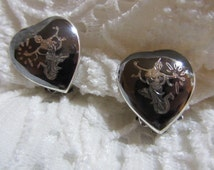 Vintage Siam Sterling Silver Heart Shaped Nielloware Earrings with Thai Goddess