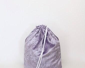 Velvet purple gym bag - hannisch