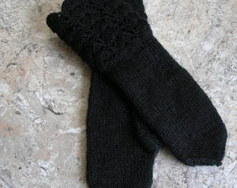 Black handmade  knitted mittens