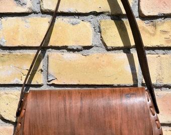 Vintage Vinyl Tooled FAUX Leather Shoulderbag Purse
