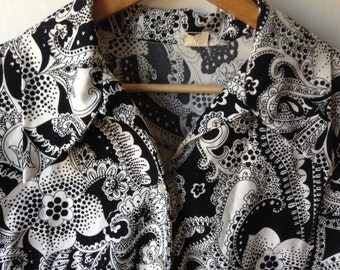 Plus size vintage paisley blouse black/white