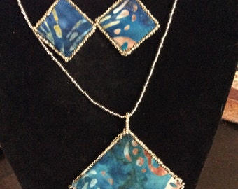 Fabric pendant, Beaded Necklace Blue, Silvery/gold