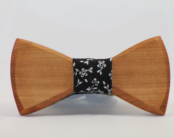 FREE SHIPPING> Wooden Bow Tie, Floral Fabric