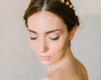 CELESTE bohemian bridal headpiece, wedding headband with freshwater pearls and metal flowers