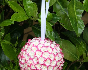 Kissing Ball*Pomander. Wedding Bride or Bridesmaid Bouquet. 9cm Ball with Cerise and White Paper Daisies