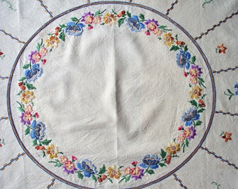 Vintage 1950s Hand Embroidered Floral Linen Tablecloth Large