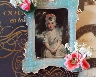 Queen Anne's Lace Framed Portrait Brooch