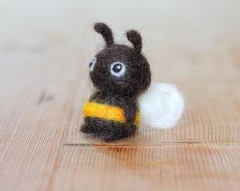 Cute felt bee - amigurumi style bee ornament - handmade needle felt bee figurine - gift for bee lovers / bee fans / beekeepers - Fuzzlebee