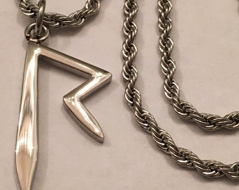 "1"" Rihanna ""R"" Pendant & 18"" Short Rope Chain (Stainless Steel)"