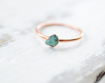 Emerald ring - Raw Emerald ring - Rough Emerald ring - May birthstone - Crystal ring - Rough stone ring - Boho ring - Raw stone ring