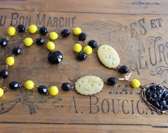 vintage assemblage necklace, black, yellow, vintage glass flowers, vintage beads, hand made in France / A002