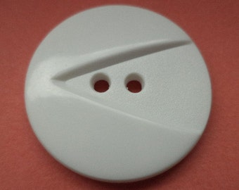 7 large white buttons 26mm (5655)