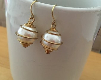 White Pearl Gold Wired Earring
