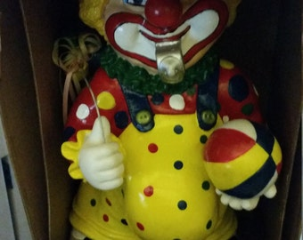 1970's Vintage Dancing Clown that plays Circus Music, collector's item