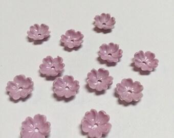 Vintage Plastic Flower Beads in Lavender - 24 Pieces - #383