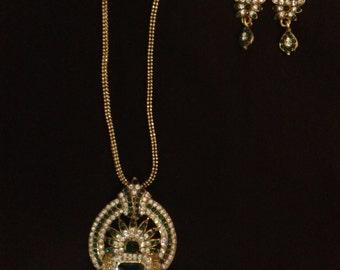 Ethnic charming swarovski with emerald lovely pendant set ,titanic style