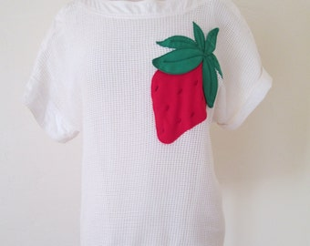 1980s vintage white mesh short sleeve novelty top with beaded strawberry applique XS/S
